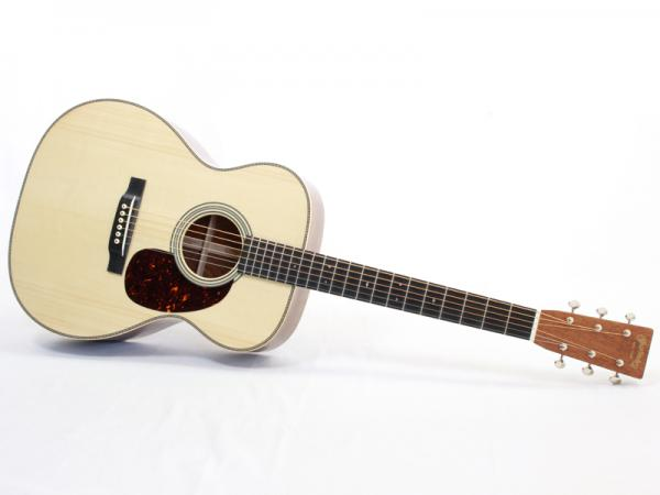 "Martin Custom Shop CTM 000-28 ""Swiss Spruce & Guatemalan Rosewood"""