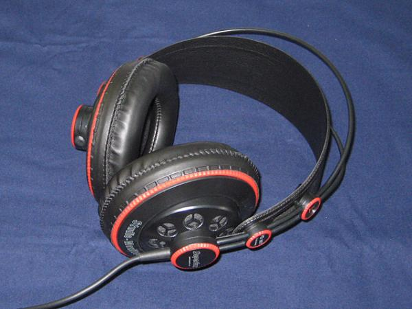 Superlux ( スーパーラックス ) HD681【Semi-Open Professional Headphone】