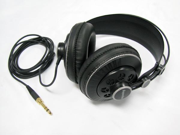 Superlux ( スーパーラックス ) HD681B ( セミオープンタイプ ) ◆パワフルな低音が特徴なヘッドフォン