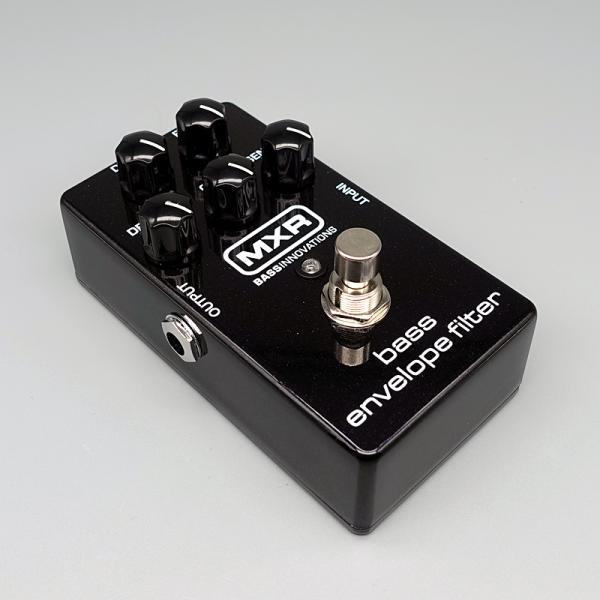 MXR ( エムエックスアール ) M-82 Bass Envelope Filter