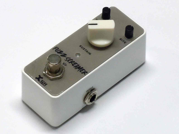 Xvive V4 FUZZ SCREAMER ◆ Fuzz エフェクター