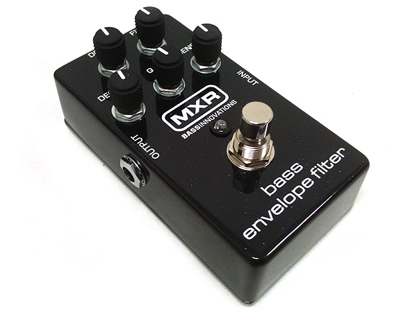 MXR ( エムエックスアール ) M82 ( Bass Envelope Filter )