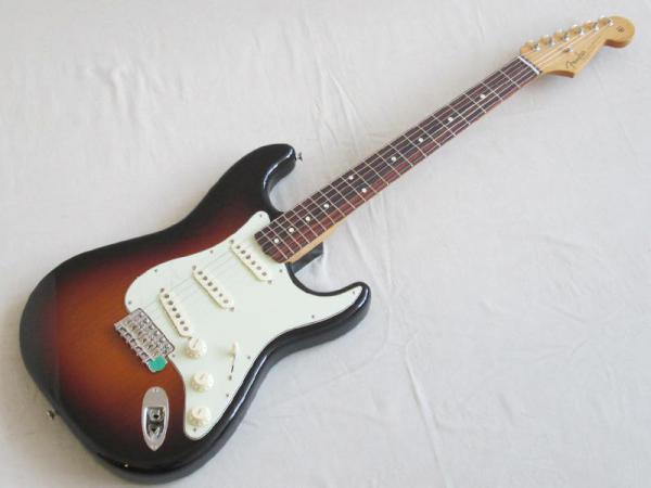 Fender ( フェンダー ) Classic Series '60s Stratocaster 3-Color Sunburst
